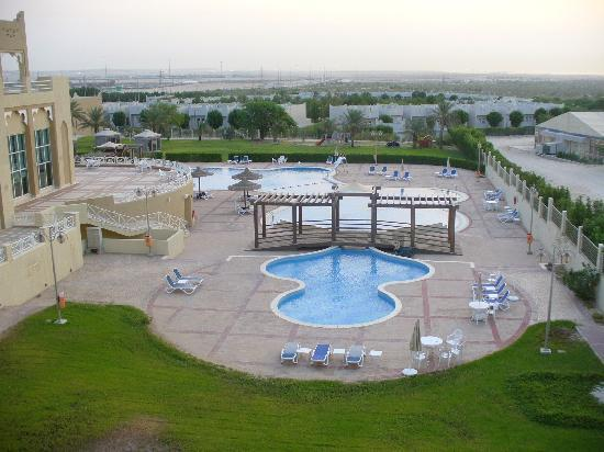 Al Jahra Copthorne Hotel & Resort: Nice for swim after work.