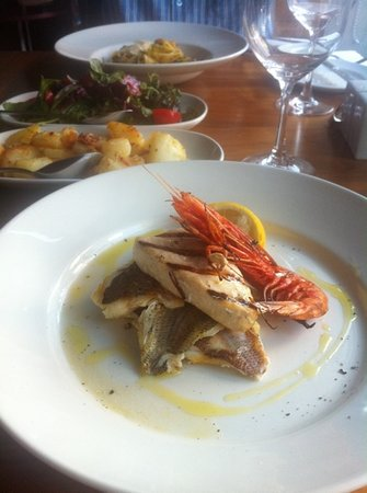Sciacca Grill Saint Julians: mixed grill fish