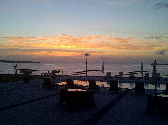 Aparthotel Atlantida Mar: Sunrise 3