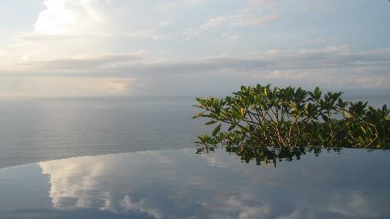 Anamaya Resort & Retreat Center: infinity morning