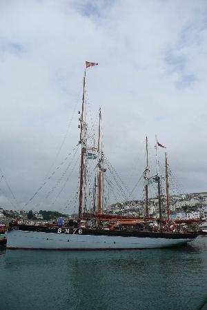 Vigilance of Brixham: At-anchor
