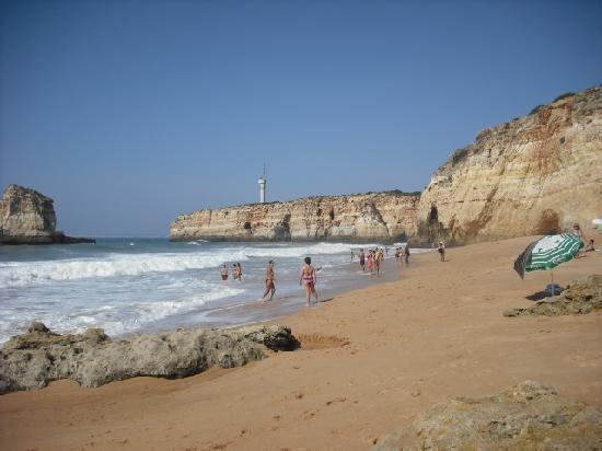 Colina da Lapa: Nearest Beach at Canerios