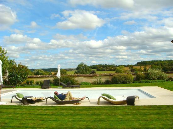 La Borde: `vergezicht vanuit zwembad