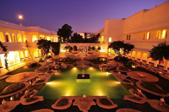 Taj Lake Palace Udaipur: The small lake inside the hotel