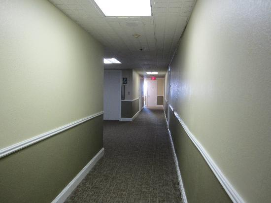 Legacy Vacation Resorts-Brigantine Beach: Hallway
