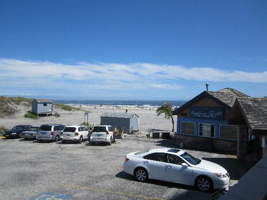 Legacy Vacation Resorts-Brigantine Beach: View from the hotel of the beach