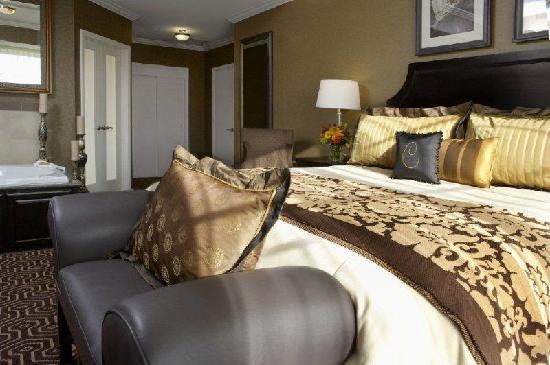 Hotel Julien Dubuque: Capone Suite