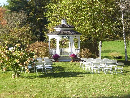 Rosewood Country Inn: Gazebo