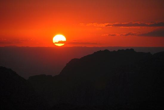 Petra / Wadi Musa, Jordânia: Lo splendido tramonto del sole sul Monte di Aronne