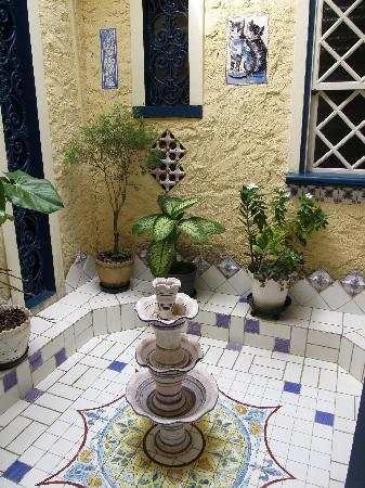 Estalagem Alcino: inner patio