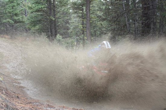 Okanagan ATV Tours : Getting dirty for the photo op!