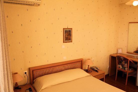 Hotel Park : Single bedroom