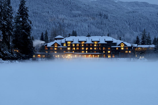 Nita Lake Lodge: Dusk in Winter