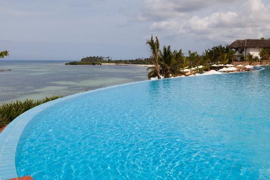 bellissimo aspetto ottima vestibilità salvare Mare e piscina - Picture of Sea Cliff Resort & Spa, Kama - TripAdvisor