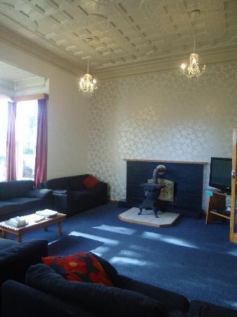 TripInn Hostel, YHA Westport: movie lounge