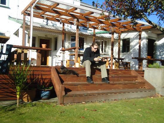 TripInn Hostel, YHA Westport: Deck