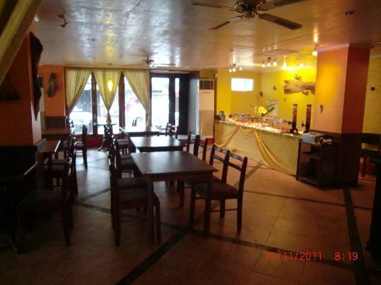 Fem's Vines Pension House : The Marcelino restaurant