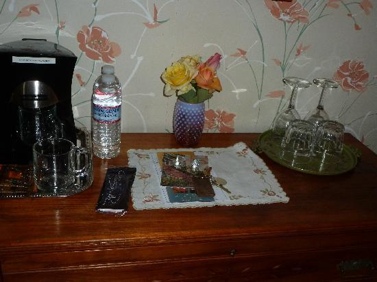 Camellia Inn: Fresh  flowers, water, and much more