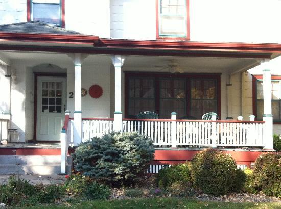 A Bella Vista Bed and Breakfast: the front porch