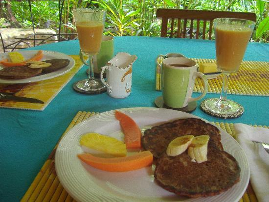 ‪‪Waterfall Villas‬: Scrumptious banana pancakes for breakfast!‬
