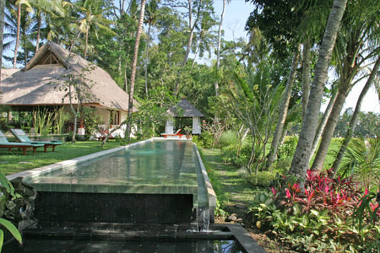 Villa Pantulan: Pool area