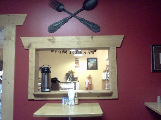 Bear Country Burrito Company: Cafe interior