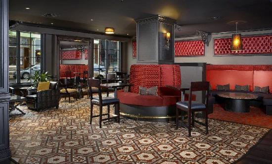 Caroline's Restaurant: Riverboat Lounge