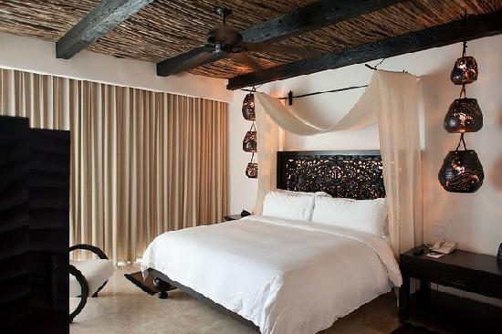 Cabo Azul Resort: Master bedroom