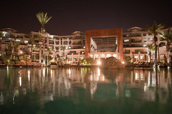Cabo Azul Resort: View of resort from the pool