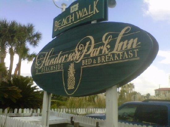 Henderson Park Inn: Best place to stay in Destin!
