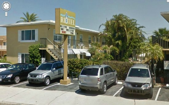 Riotel Island Resort: Front of Building