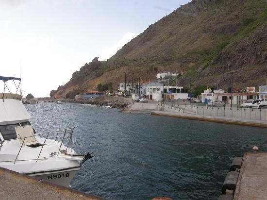Saba Deep Dive Center: Fort Bay Harbor