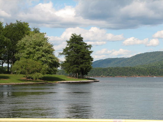 Raystown Lake: near seven points at the lake's beach