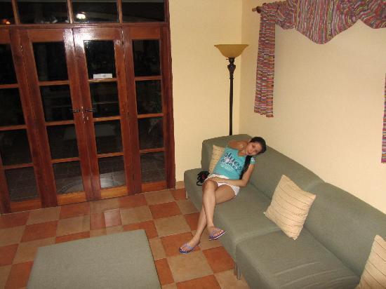 Contadora Island Inn: The wife inside the inn