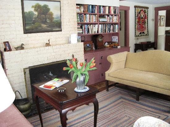 Greenspade Inn: Livingroom