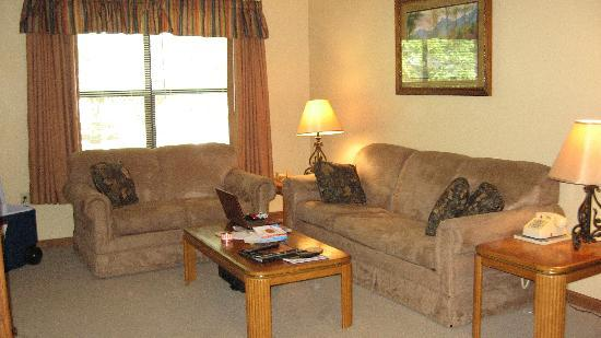 Oakmont Resort: nice living room with new furniture