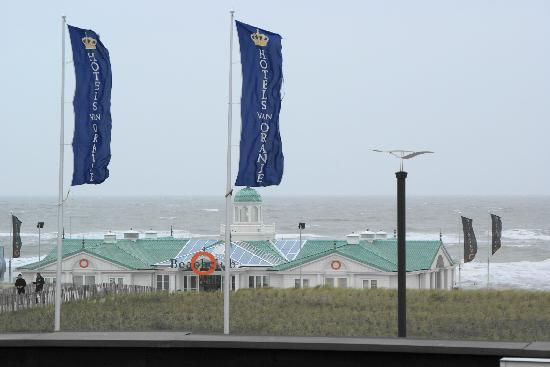 Beach Hotel Noordwijk: Vista dalla camera