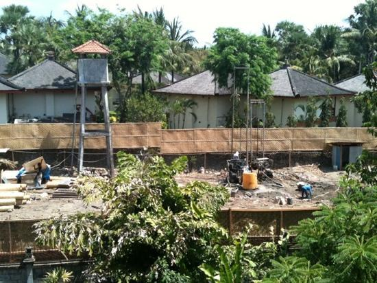 Hotel Kumala Pantai: attention for The building NS under construction many noising