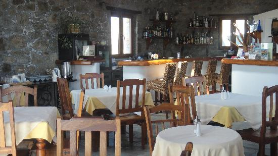 Villa Konstantin: Breakfast room and Bar