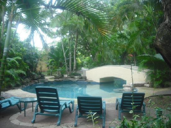 Natadola Beach Resort: tranquil garden setting