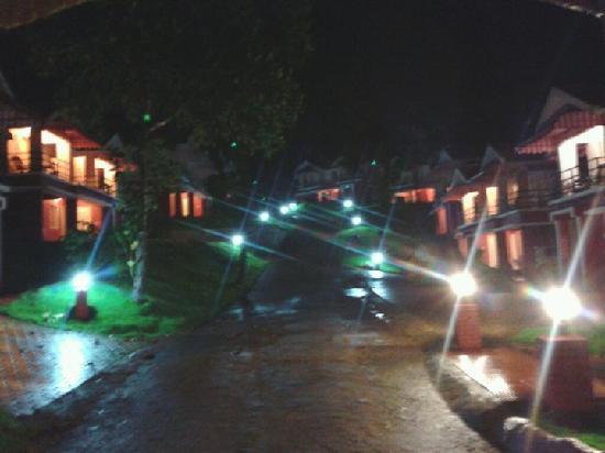 Vythiri Meadows: Night View in rainy season