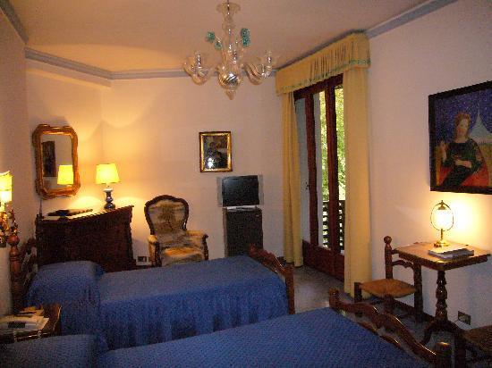 Quattro Fontane Hotel: SUPERIOR ROOM