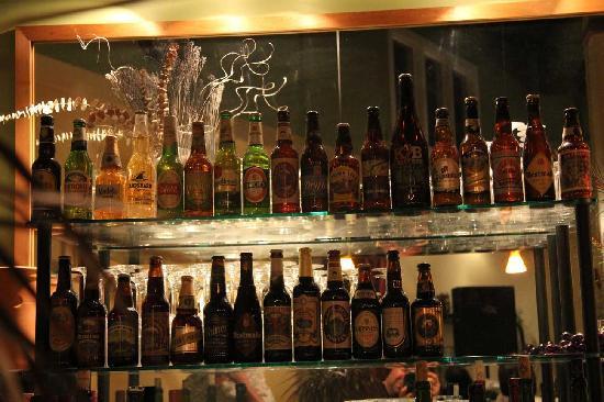 Diana's Cellar Door Wine Bar: Excellent range of world beers