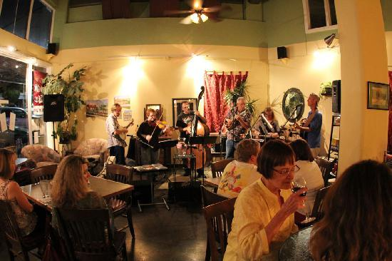 Diana's Cellar Door Wine Bar: The blue grass band on the Friday