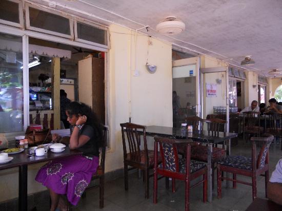 Miramar Residency: Foodland - indoor area of restaurnt