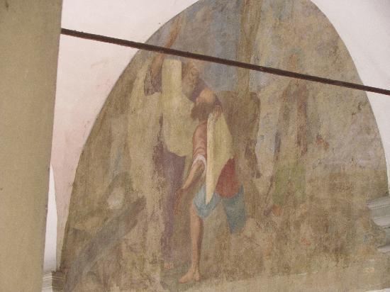 Piazza del Carmine: Fresco on wall of courtyard