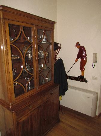 Piazza del Carmine: Cabinet next to entrance
