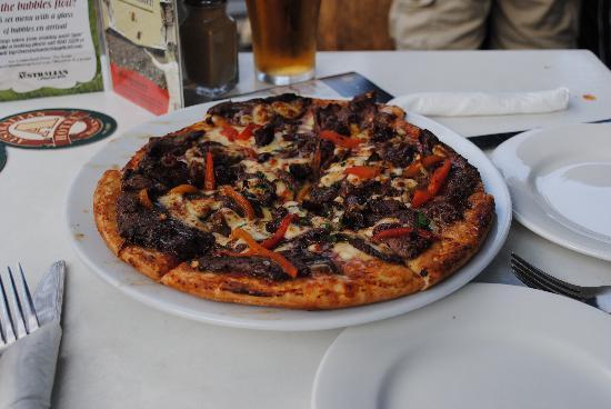 The Australian Heritage Hotel: Kangaroo pizza....