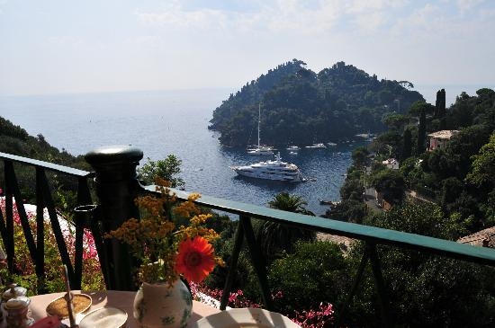 Belmond Hotel Splendido: breakfast at restaurant view