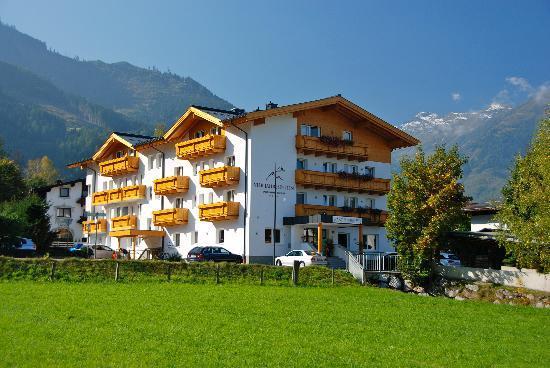 Hotel Vier Jahreszeiten: The Four Seasons Hotel